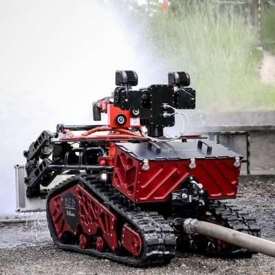 Robot antincendio a controllo remoto