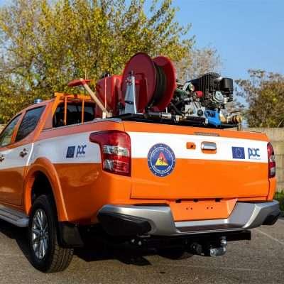 Pick-up con modulo antincendio boschivo